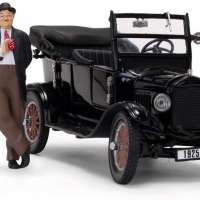 1925 Ford Model T Touring with Laurel and Hardy Figurines
