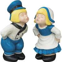 Kissing Dutch Couple Statues