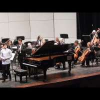 Ariel Lanyi plays Mozart Piano Concerto in G major, K 453